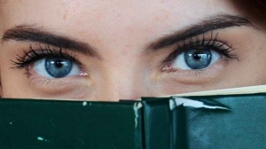 adult beautiful blue eyes book